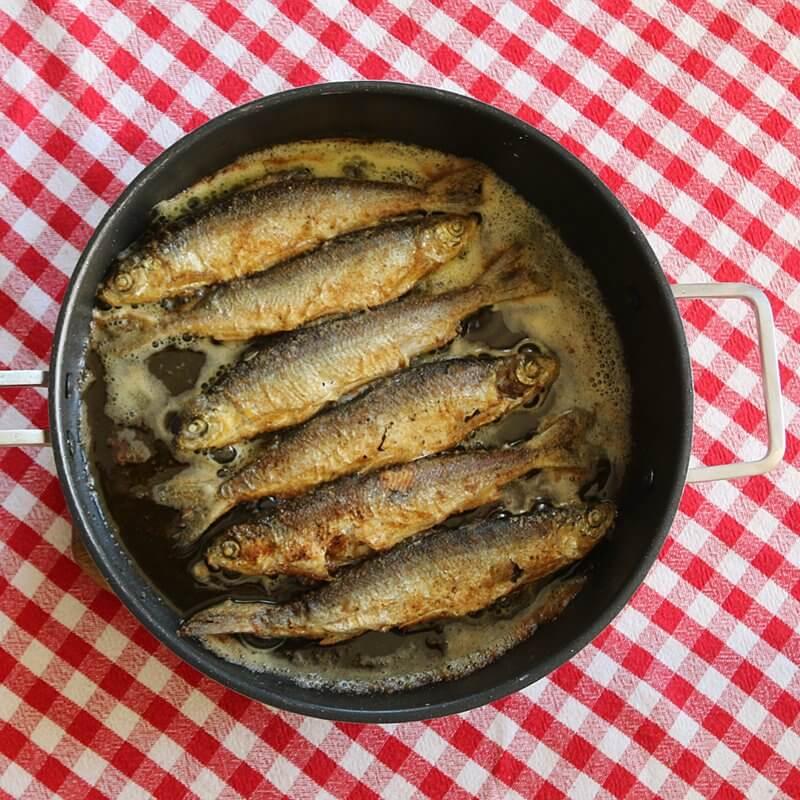 Zdjęcie przedstawia przygotowane ryby
