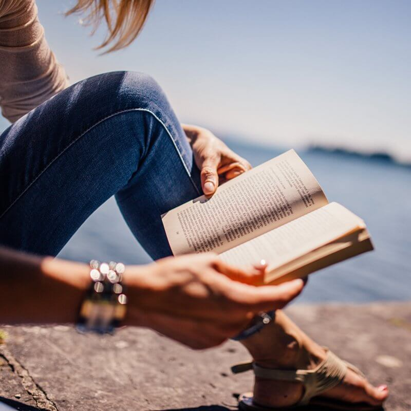 Nocleg Czarna Hańcza komfortowe warunki na odpoczynek np przy książce
